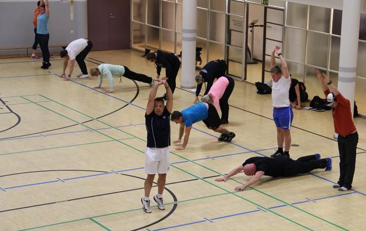 Ohjattu treeni UKK-instituutin liikuntasalsissa