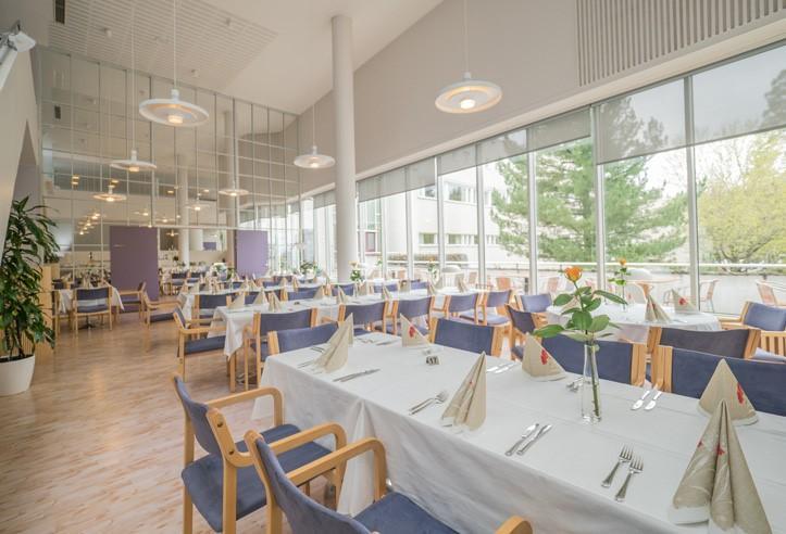 ravintolasali takaa kuvattuna Sylvin Sali UKK-instituutti